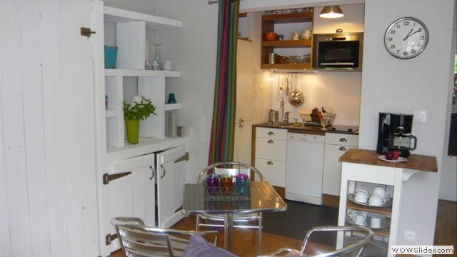 tarifs r servation studio izaratu gu thary location de charme sur la c te basque. Black Bedroom Furniture Sets. Home Design Ideas
